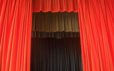 curtains by Sarflondonunc on Flickr - creative commons - thanks.